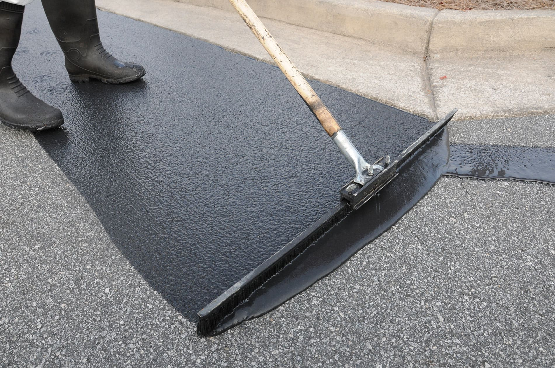 Eastern Paving CT sealcoating services